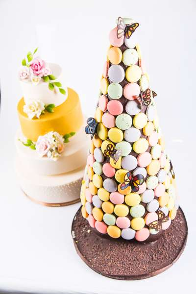 thomas-haas-wedding-cake-macaron-tower